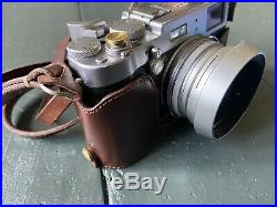 Fujifilm Fuji Mirrorless X100T Camera. Silver. Leather case and lots of extras
