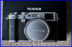 Fujifilm X100f Pro camera Silver Thumb grip & leather case Excellent cond