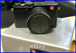 LEICA D-LUX (Typ 109) Camera Black + Leica leather case