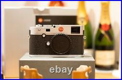 LEICA M240 M typ 240 SILVER CHROME RANGEFINDER CAMERA 2x BATTERY LEATHER CASE