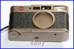 Leica CM Compact 35mm Camera Summarit 12.4 / 40mm Lens Perfect & Leather Case