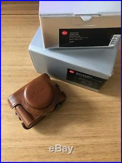 Leica D-LUX 4 10.1MP Digital Camera with Original Leather & Extra Vintage Case