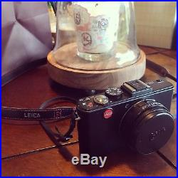 Leica D-LUX 5 10.1MP Digital Camera Black with charger, leather Case, Battery