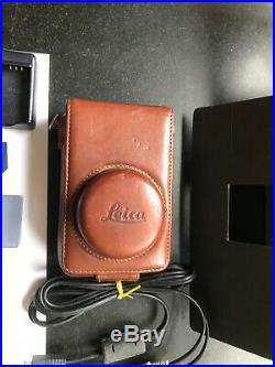 Leica D Lux 3 10M Camera with leather case and Manfroto tripod
