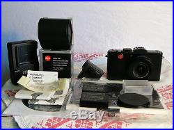 Leica D-Lux 5 camera & Leica EVF 1, boxed, charger, 2 batteries, leather case