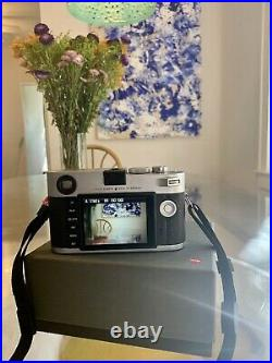 Leica M M240 24MP Camera Black Silver Body + Leather case + Zeiss 50mm/f2 Lens