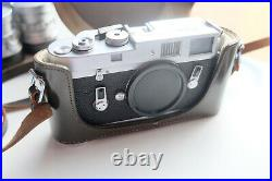 Leica M4 35mm Analogue Range Finder Film Camera, Leather Case, Germany 1