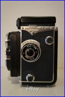 NEAR Mint Yashica Mat TLR Film Camera with Leather Case & Cap