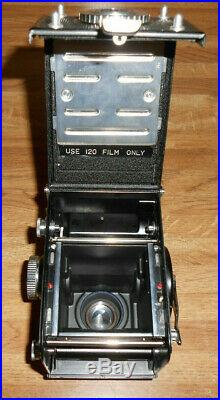 NICE YASHICA MAT EM 66 TLR CAMERA MEDIUM FORMAT With LEATHER CASE & BOX RARE CLEAN