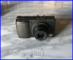 RICOH Digital Camera GR DIGITAL III with leather case plus EXTRAS