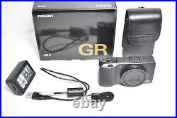 Ricoh GR II 16.2MP Compact Digital Camera withChager Box Leather case Near Mint