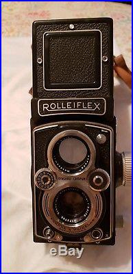 Vintage Rollieflex Camera. Excellent condition with Leather case
