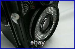YASHICA E TWIN LENS REFLEX TLR Film Camera Yashinon Lens c/w Leather Case Papers