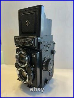 Yashica MAT-124 Camera with 80mm lens and original leather case 124g