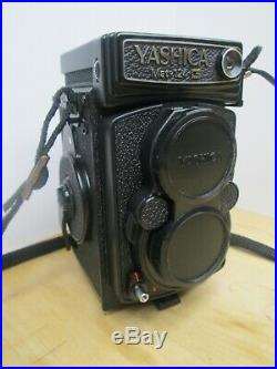Yashica Mat 124G Twin Lens TLR 120 6x6 Film Camera and Leather Case Very Nice