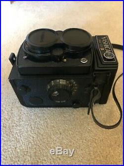 Yashica Mat 124G camera TLR in leather case with Quick-Lite Pro-50DX Flash